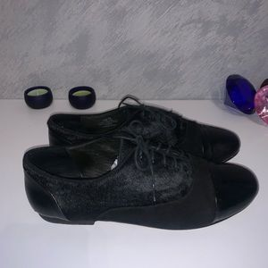 Kenneth Cole Black Oxfords